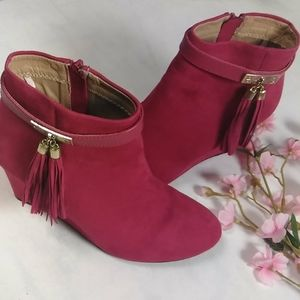 Shoes - Boots woman's size 8